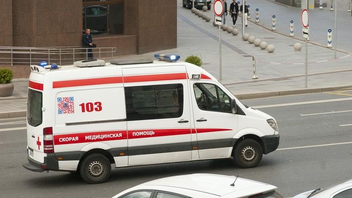 Девять человек пострадали при столкновении маршрутки с джипом на юго-западе Москвы