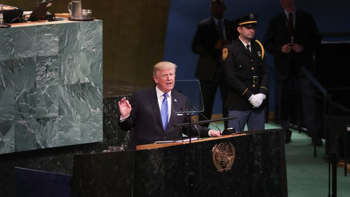 Трамп напомнил жуликоватой Клинтон, кто на самом деле влиял на выборы в США