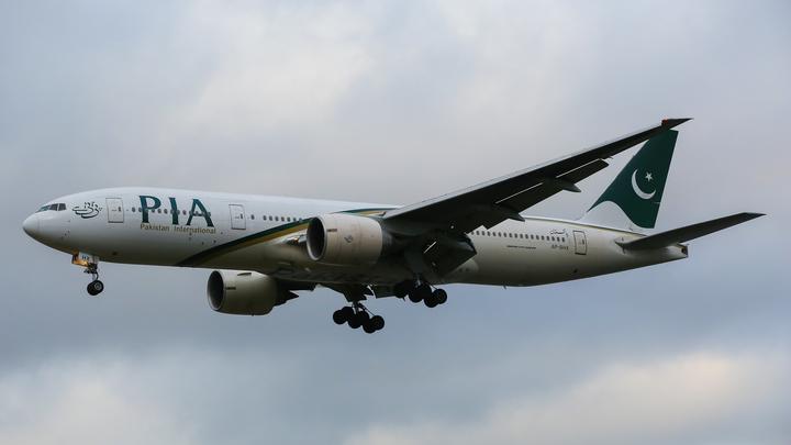 Шёл прямо и резко носом вниз: Странное пике А320 незадолго до трагедии в Пакистане сняли на видео
