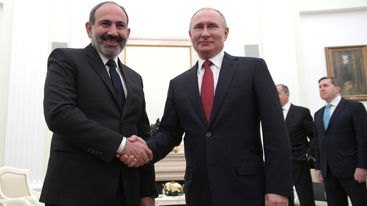 Третий телефонный звонок с начала боёв в Карабахе. О чём беседовали Путин и Пашинян