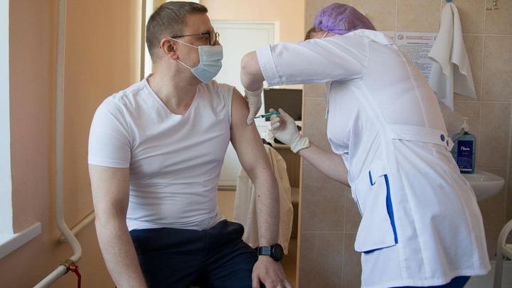 Почему губернатор Алексей Текслер только сейчас сделал прививку от коронавируса