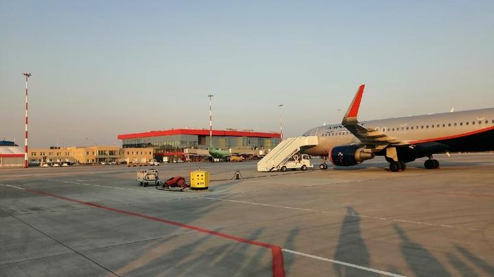 Медики не допустили пилотов на борт Москва-Челябинск и ищут тех, кто с ними общался