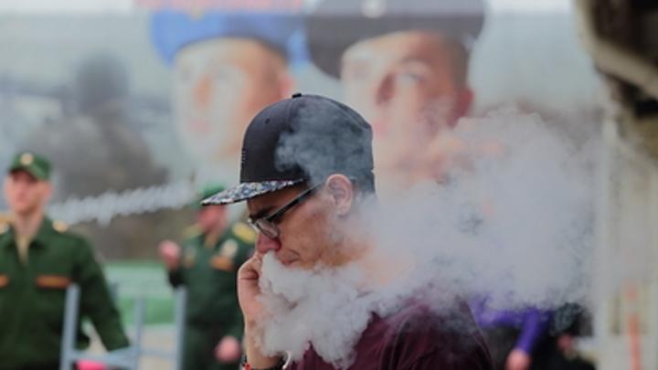 «В России давно нельзя, а в Беларуси все еще можно»: белорусам не запретят курить на балконе