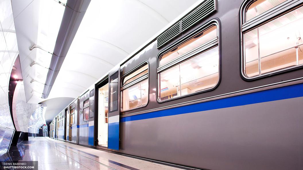 Пассажир упал на рельсы на станции метро Пролетарская в Петербурге