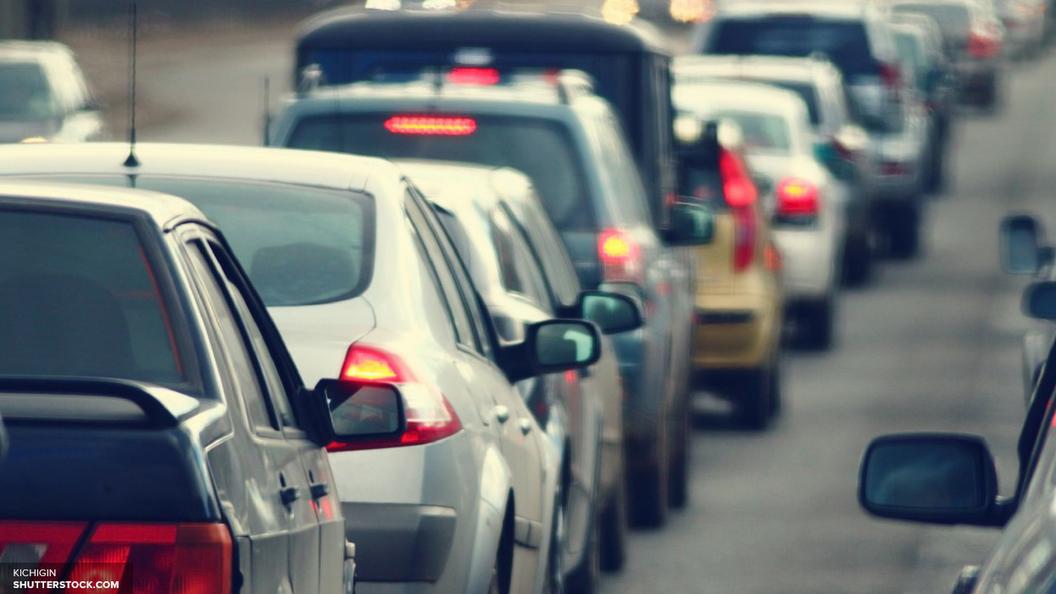 Власти Москвы придумали способ борьбы с пробками: призвали водителей пересесть на метро