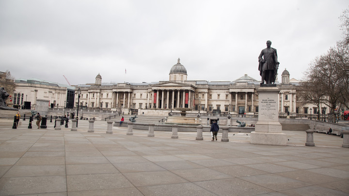 Спасать будут не каждого: В Великобритании готовятся к пику пандемии - Sky