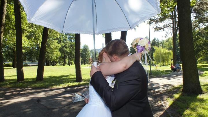 В Новосибирской области снизилась смертность и уменьшилось число свадеб