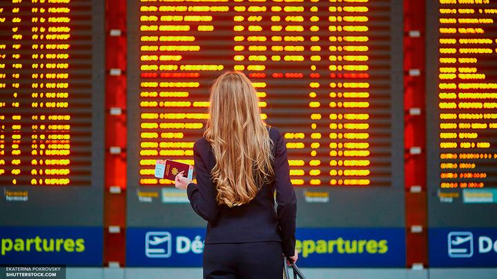 В Москве в аэропортах задержали более 25 рейсов