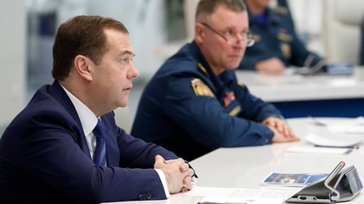 Трудились в непростых условиях: Медведев пожелал бывшим коллегам в кабмине эффективного решения задач