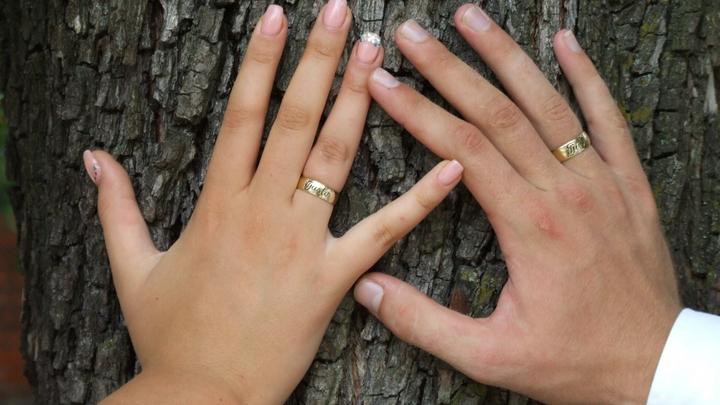 Пара трансгендеров, поженившихся в Казани, рассказали, почему не будут заводить детей в России