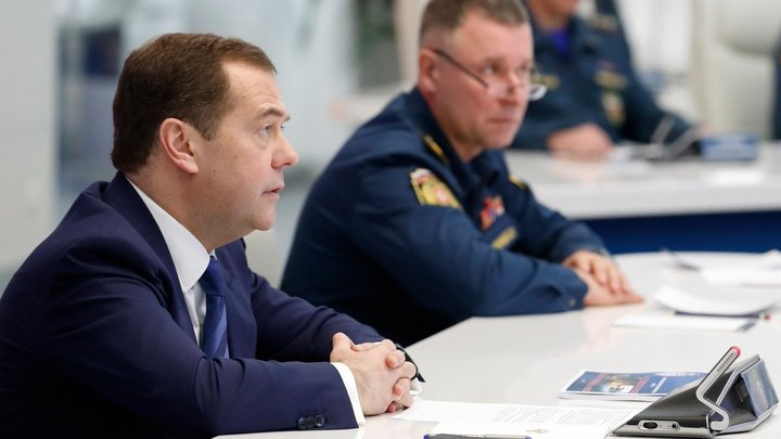 Дмитрий Медведевзаявил о распространенииCOVID и спровоцировал неудобные вопросы