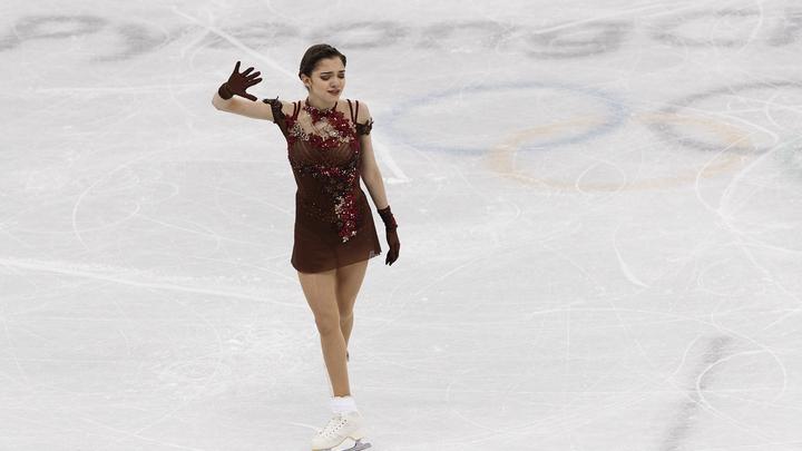 Фигуристка Медведева пообещала в Канаде тренироваться за Россию