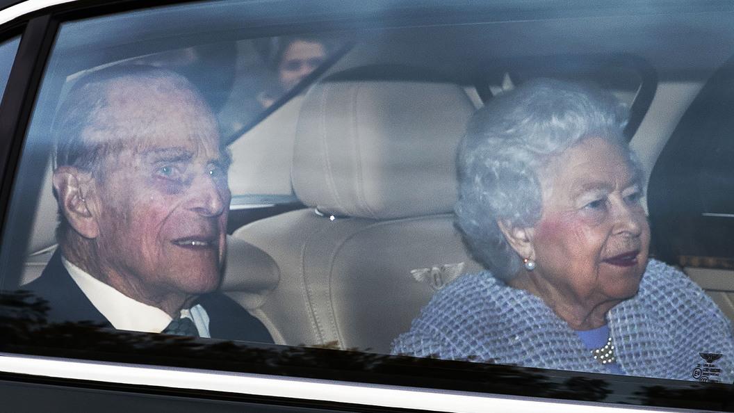 Супруга королевы Великобритании госпитализировали