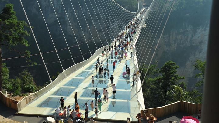 В Китае откроется стеклянный мост длиной 488 метра