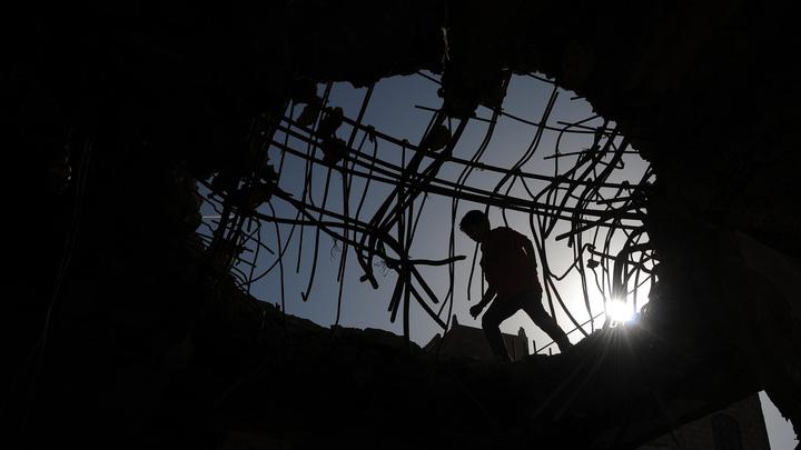 «Не было никакой химатаки»: «Убитый» мальчик в Сирии рассказал, как американцы заставляют изображать жертв