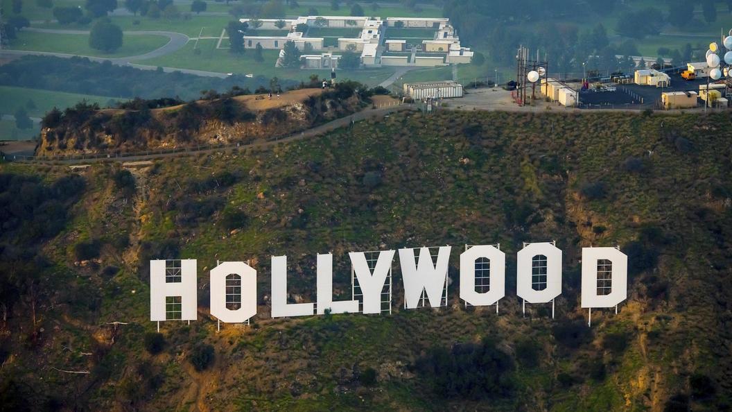 Руководителя американской киноакадемии обвинили вдомогательствах
