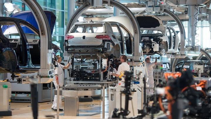 Беспилотники и электрокары: Автопрому не оставили выбора