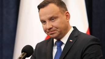 Назад дороги нет: Президент Польши утвердил закон о холокосте