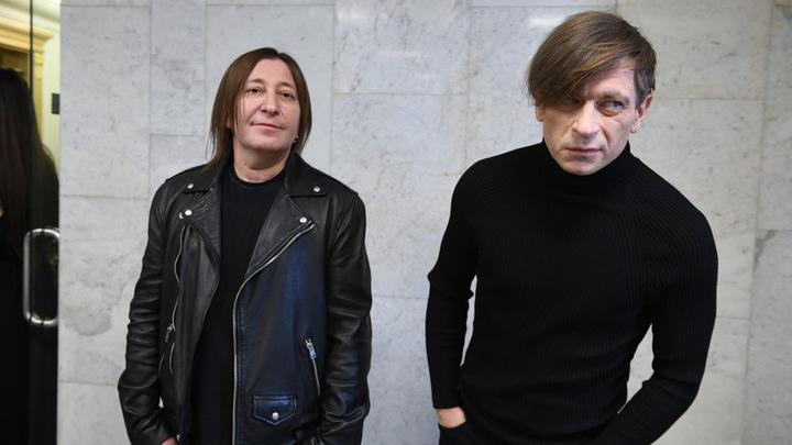 «А что «БИ-2»: в соцсетях обсуждают рокеров после коронавирусного концерта Басты в Санкт-Петербурге