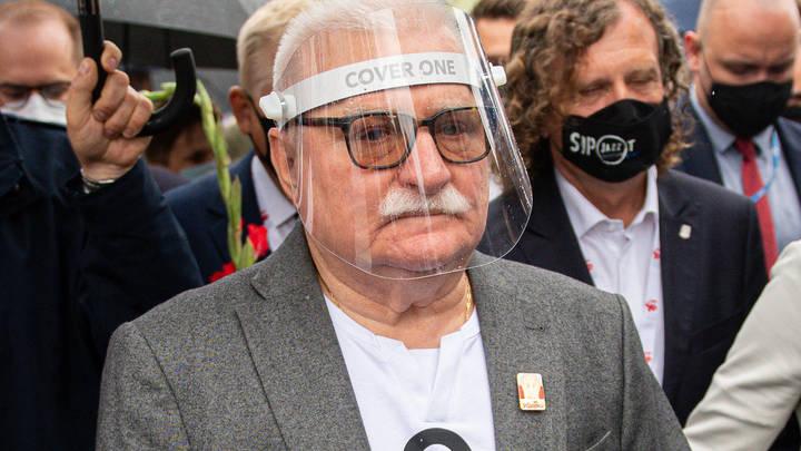 Жена гонит меня на работу: COVID лишил экс-президента Польши денег