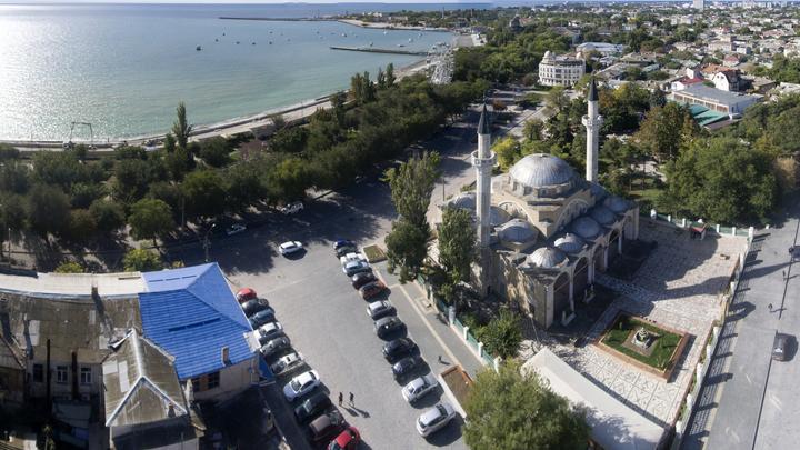 Курорты Крыма планируют закрыть для непривитых туристов