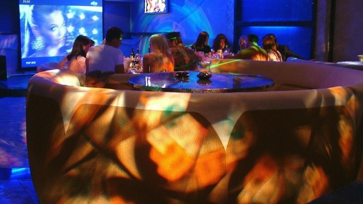 Опять переобулись. Чиновники открывают бары и рестораны в Санкт-Петербурге