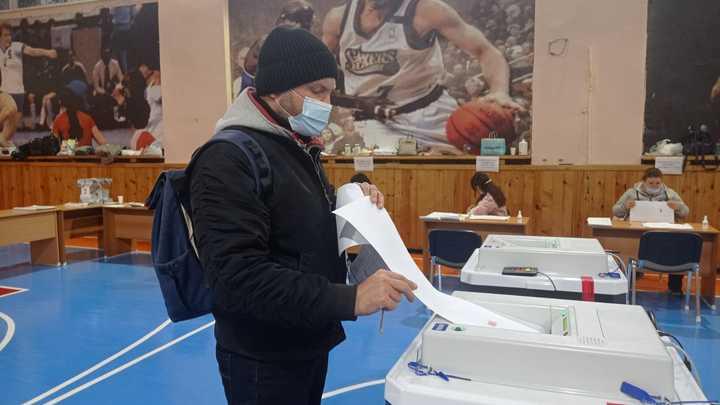 В Челябинской области с рекордной явкой в 43,15% закрылись избирательные участки