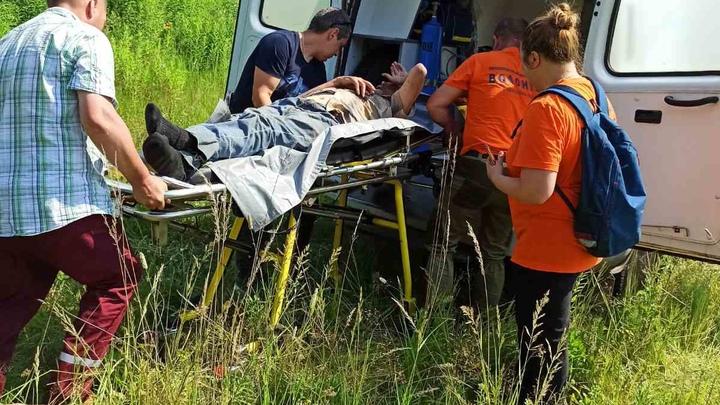 Волонтеры спасли пенсионера, который пять дней пролежал в кустах, потому что ему стало плохо