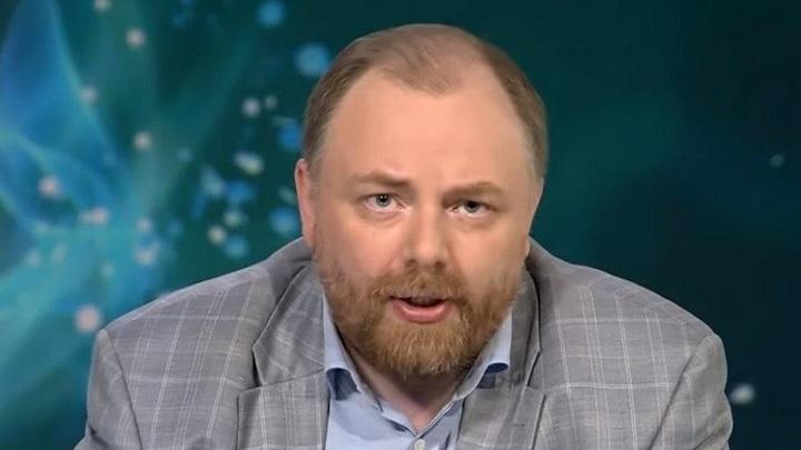 Назад процесс уже не загнать: Холмогоров о внесении в Конституцию упоминания о Боге и традиционной семье