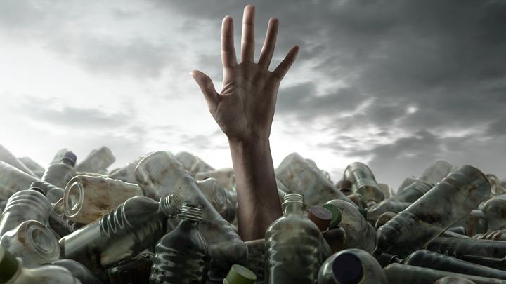 Пугающие данные учёных: Мы превращаемся в пластиковых людей?