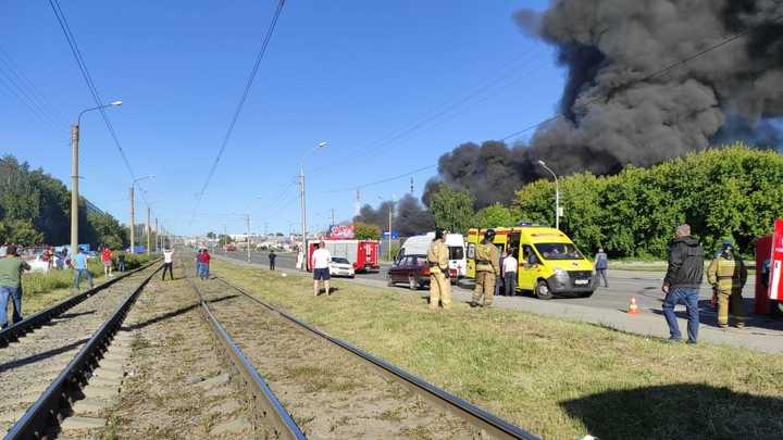Число пострадавших при взрыве на автозаправке в Новосибирске растёт