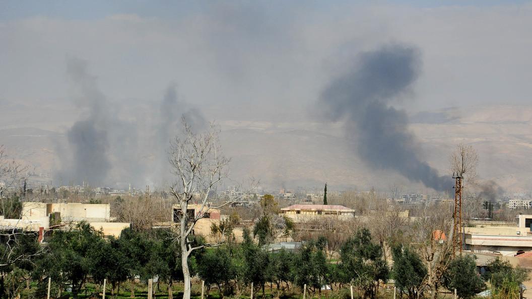 Освобождены более 400 жителей: В сирийском городе Дума на двое суток продлили гумпаузу