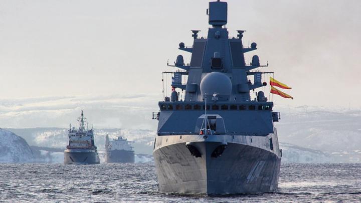 Куда идёт «Адмирал Горшков», неизвестно. Но многим страшно