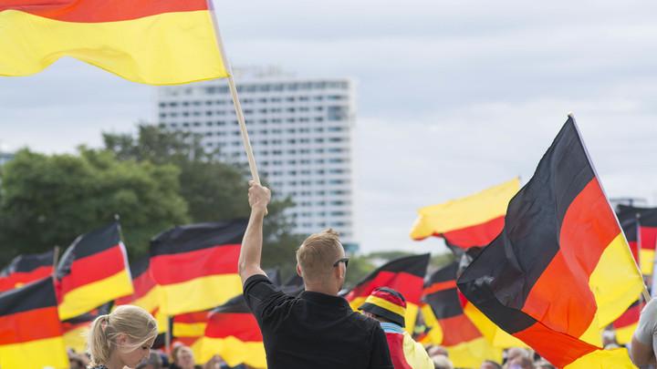 Меркель проиграла Восточную Германию правым