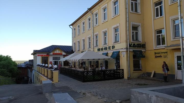 Во Владимирской области запретили посещение ресторанов и кафе после 23 часов