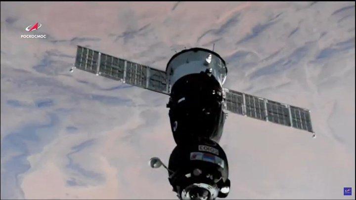 Трещину на МКС исследовали в прямом эфире: Космонавт Рыжиков смог снять реальные мерки