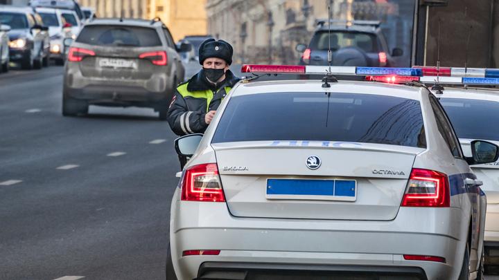 После убийства петербуржца водителем-мигрантом полиция начала ловить нелегальных таксистов