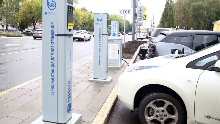 В Нижнем Новгороде открылась заправка для электромобилей рядом с парком Швейцария