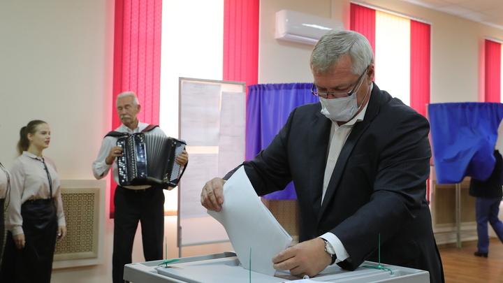 На выборах в Госдуму проголосовал донской губернатор