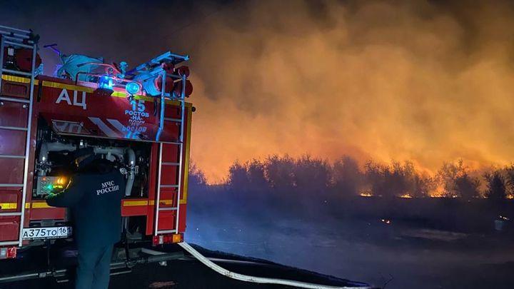 В Ростовской области предупредили об опасности ландшафтных пожаров и ливне с грозой