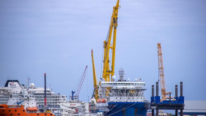 Не пробыл в Германии и дня: Определён новый курс корабля для подачи труб Северного потока - 2