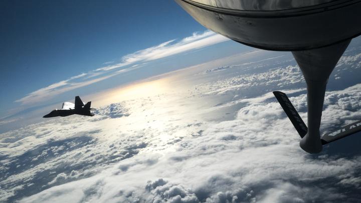 Американские невидимки F-22 иF-35 стали жертвами явного упущения инженеров- эксперт