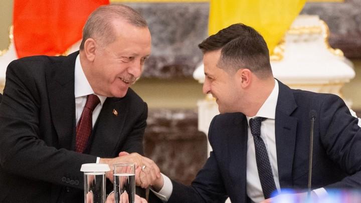 Разумнее было бы промолчать: Украинский политолог указал на ошибку Зеленского на встрече с Эрдоганом