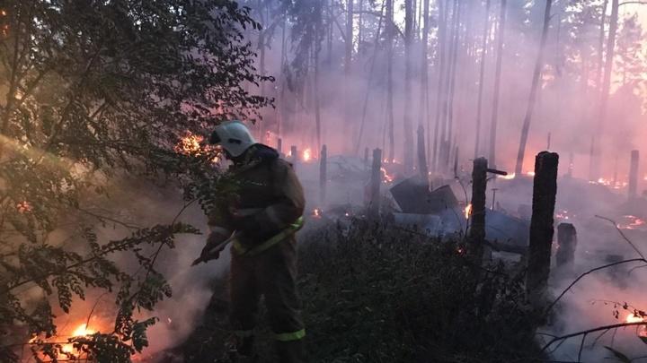 Длинные выходные в Свердловской области стали рекордными по количеству пожаров