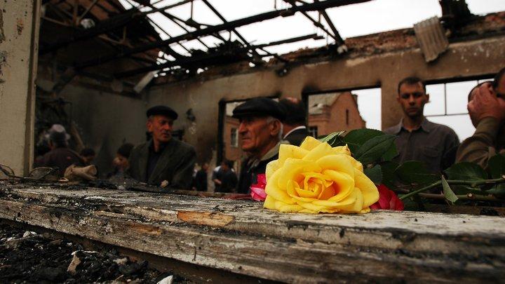 «Город ангелов» в огнях: Беслан вахтой памяти провожает 14-ю годовщину теракта