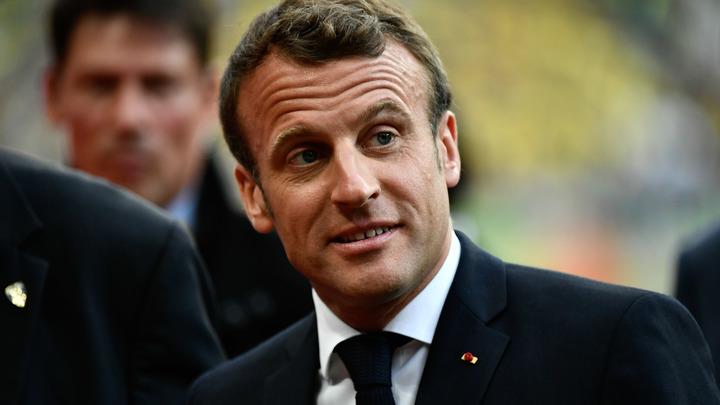 Дядя, ты дурак?: Слова президента Франции возмутили блогера в России