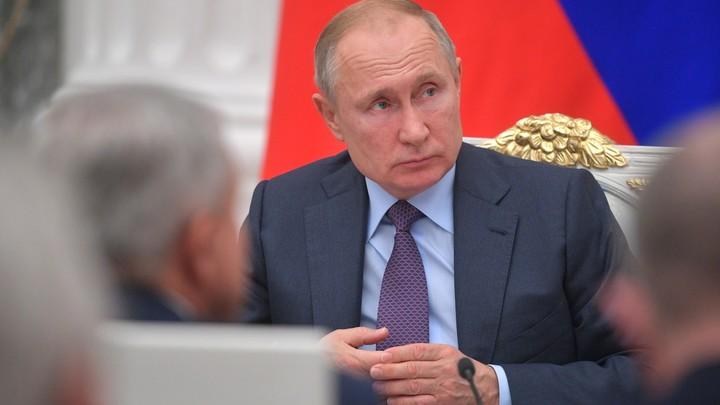 Путин призвал глав регионов реагировать на просьбы ветеранов максимально чутко