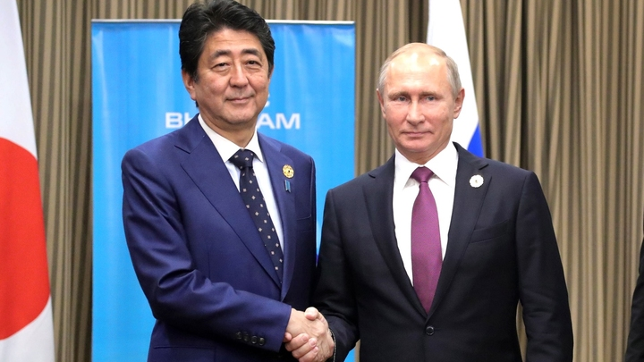 Путин и Абэ обсудили проблему Курил с глазу на глаз