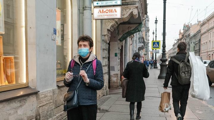 Антикоронавирусный флешмоб «Питер носит маски» продлится до Нового года