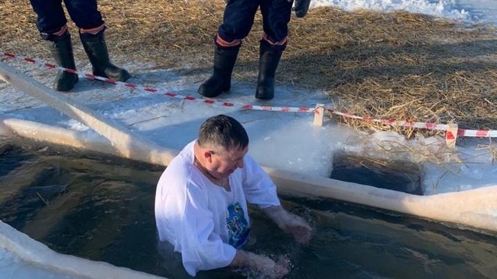 Почти 3 тысячи новосибирцев уже окунулись в купелях на Крещение